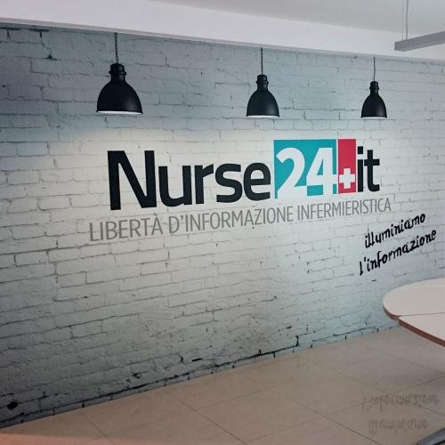 Adesivo murale Nurse 24